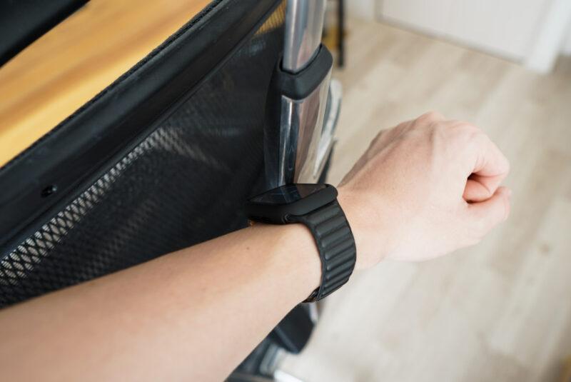 Apple Watchの保護ケースを付けていれば物にぶつかっても安心