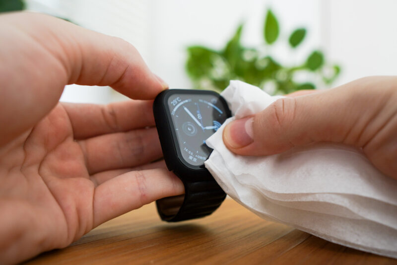 Apple Watchの画面をごしごし